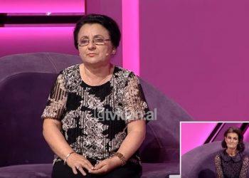 """""""Të kam si motër"""", i birësoi vajzën, momenti prekës mes dy nënave (VIDEO)"""