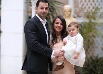 Rudina Hajdari lë pas debatet për negociatat, zbulon ku po e kalon fundjavën me bashkëshortin dhe vajzën (FOTO)