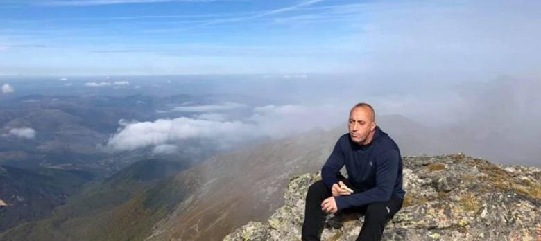 Pas zhgënjimit në zgjedhje, Haradinaj ngjitet maleve (FOTO)