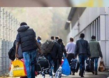 'Ktheni menjëherë mbrapsht shqiptarët'! Aeroporti merr urdhër