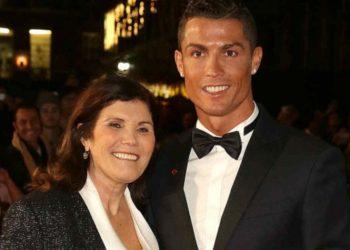 """""""Shpërthen"""" e ëma e CR7: Mafia në futboll ka penalizuar djalin tim për të fituar 'Topin e Artë'"""
