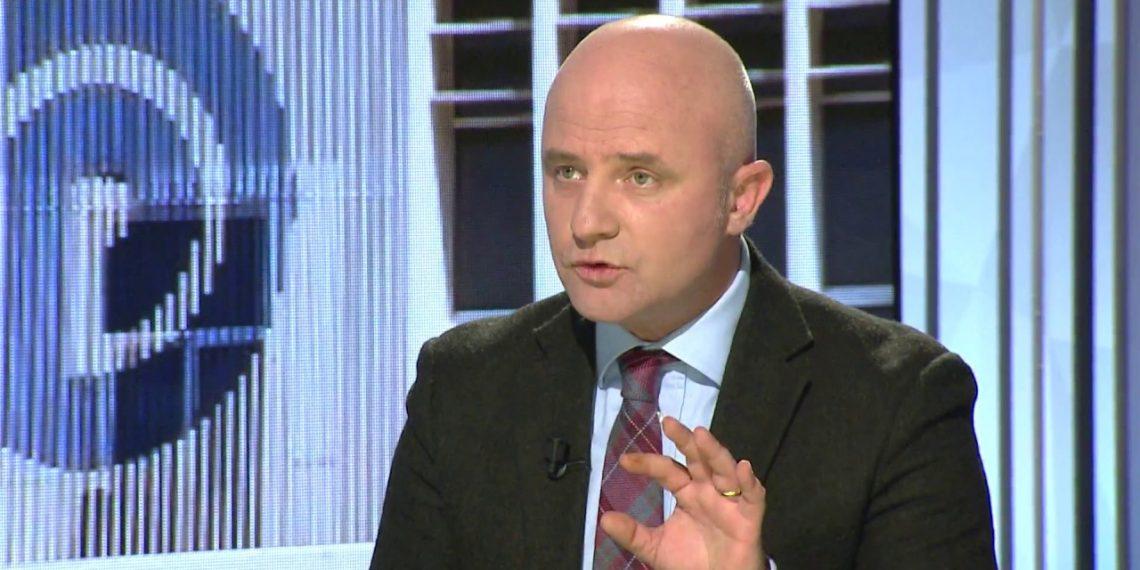 Përplasja Meta-qeveri për Kushtetuesen, Gent Strazimiri zbulon planin çfarë po përgatitet të bëjë PD-ja