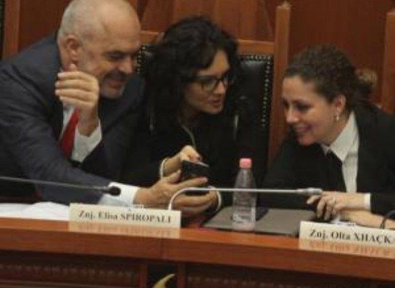 """""""Po përgatitet shpëtimi i tyre"""", ministrja e Ramës jep lajmin e madh"""
