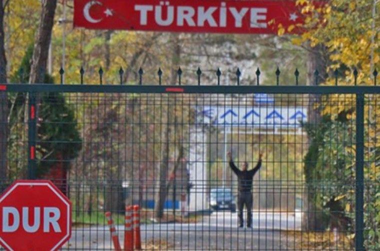Ka ngecur në kufirin greko-turk, pamjet e këtij burri bëjnë xhiron e botës