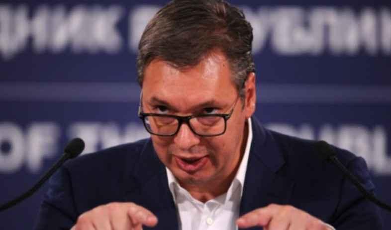 E pranon Vuçiç: Jam i sëmurë, po luftoj