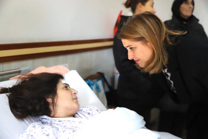 I biri nga spitali drejt Italisë për të takuar Ronaldon! Ja ç'po ndodh me nënën e tij, Manjola Cakoni (FOTO)