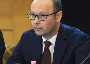 Sekretari i përgjithshëm i PD flet për formulën e re: Çfarë ndodh në momentin e ngritjes së Gjykatës Kushtetuese