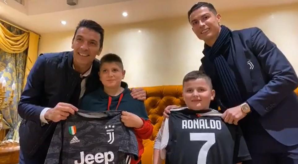 U hodhën nga pallati, i shpëtuan tërmetit, Rama u bën suprizën e jetës dy fëmijëve, i merr në Itali për të takuar Ronaldon dhe Buffonin (VIDEO)