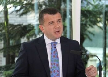 """Taulant Balla flet me emra: Ilir Meta mori urdhër të rrëzojë ligjin """"Antishpifje"""""""