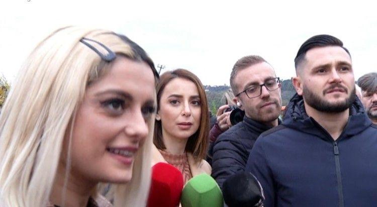 Bebe Rexha arriti në Shqipëri, shkon drejt Bubqit dhe premton ndërtimin e 2 shtëpive