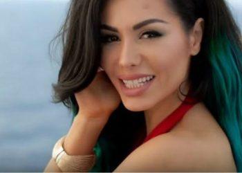 """""""Të isha zog do t'ju lëshoja glasën ca njerëzve"""", këngëtarja e njohur shqiptare habit me deklaratën e saj të papritur (FOTO)"""