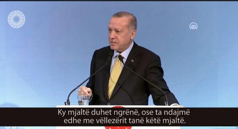 Rama publikon fjalimin e Erdogan: Të ndihmojmë vëllezërit tanë, e ngremë Shqipërinë në këmbë (VIDEO)