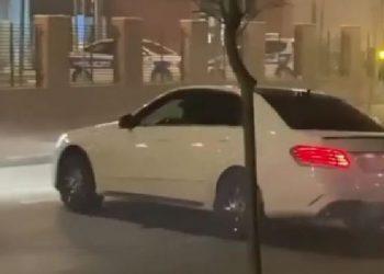 'Rrimë sipër shtetit!' Drift para komisariatit, i riu 'i pasur' i bën 'karshillëk' policisë në Tiranë (VIDEO)