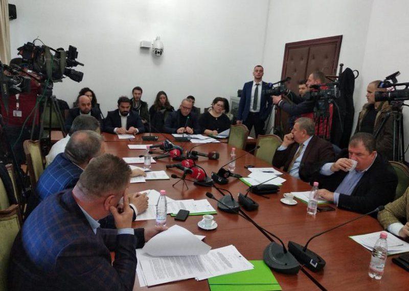 Kthimi i paketës 'Anti-shpije' nga Meta, PS mbledh Komisionin dhe i jep goditjen e rëndë Presidentit