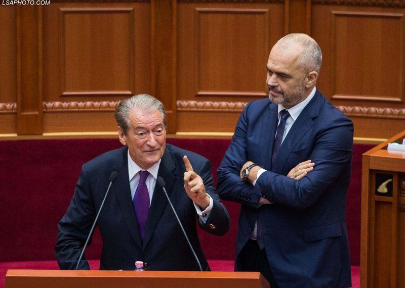 Sali Berisha zbardh prapaskenat, zbulon se çfarë fshihet pas padisë së Ramës ndaj Ramush Haradinajt