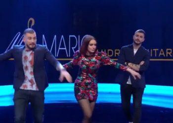 Moderatorja e njohur shqiptare dhe aktorët binjakë i mbathin vrapit pas tërmetit që i zuri në transmetim live (VIDEO)