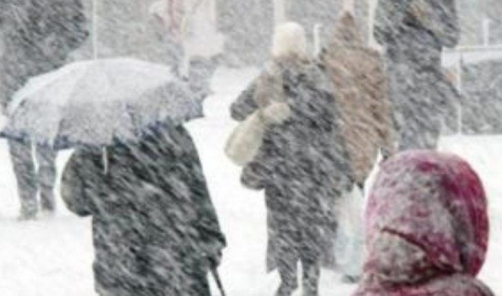 Stuhi ere dhe dëborë, merrni masa për ditën e nesërme. Ja çfarë parashikon Shërbimi Meteorologjik Ushtarak (FOTO)