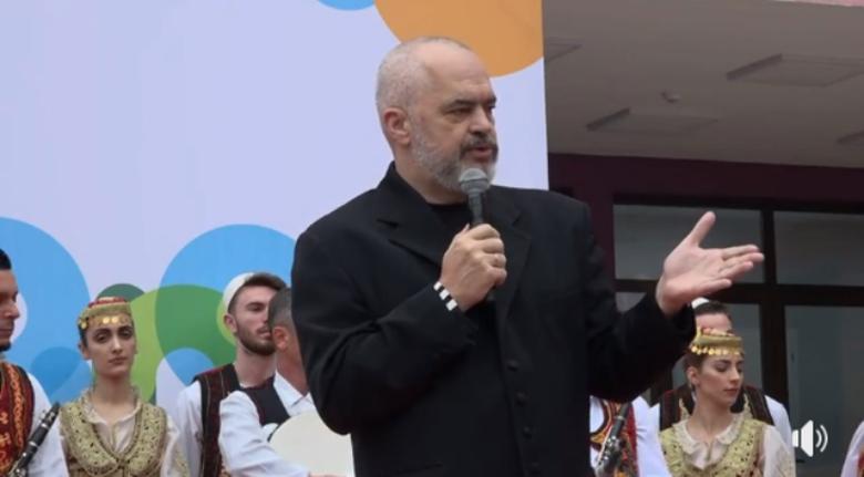 Rama shkëmben batuta të forta me deputetin: Nuk na gënjeni dot me këto ahengje (VIDEO)