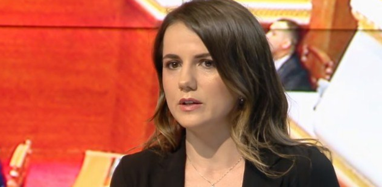 """""""Kryeministër bullist"""", Rudina Hajdari ka një mesazh për Ramën pas përplasjes së ashpër sot në Parlament"""