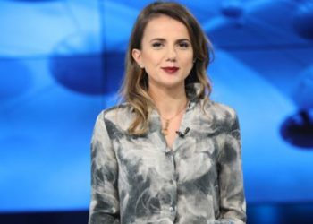 """""""I ka munguar Shqipërisë prej kohësh"""", Rudina Hajdari vjen me propozimin e madh"""
