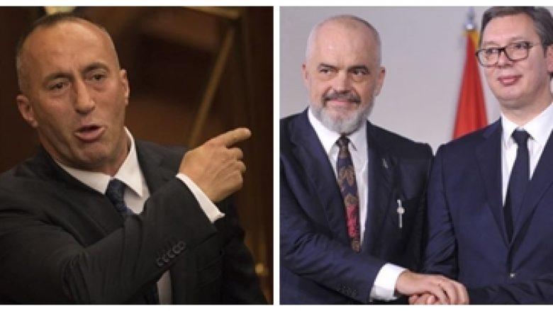 Rama dhe Haradinaj në 'shihemi në gjyq'. Si po e shijon Vuçiç 'sherrin' mes dy kryeministrave shqiptarë? (VIDEO)