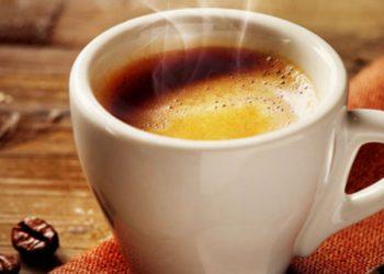 Në këtë orë nuk duhet t'a pini kafen asnjëherë
