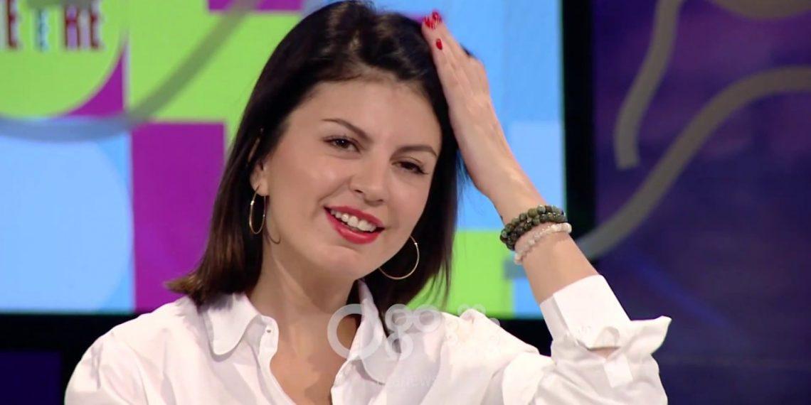 """""""Ai bën vetëm këngë me lot e qurre!"""", Rudina Dembacaj befason me deklaratën për këngëtarin e famshëm shqiptar"""