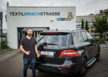 Ky është shqiptari që jeton në Zvicër e që pagoi 36 mijë franga për targat e makinës