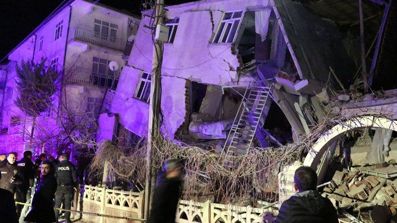 Tërmeti katastrofik në Turqi! Vjen reagimi i ambasadës, jep informacion nëse ka shqiptarë të lënduar