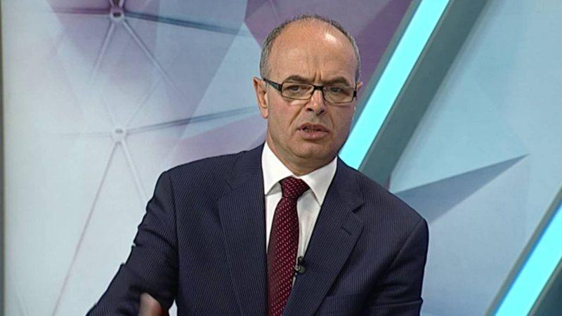 """Deklaratat e Metës për """"Anti-KÇK"""", reagon Petro Koçi: Presidenti flet si të 'fortët' e lagjes"""