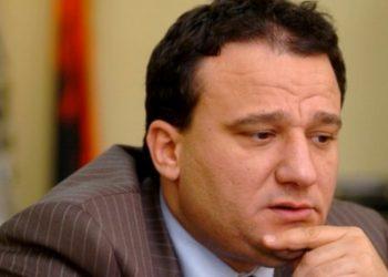 Ish-drejtori socialist kap detajin dhe i kthehet keq Bashës: Nuk është Zoti që dëgjon i vetëm