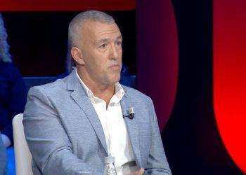 Erzen Breçani befason me atë çfarë thotë për Ermal Mamaqin