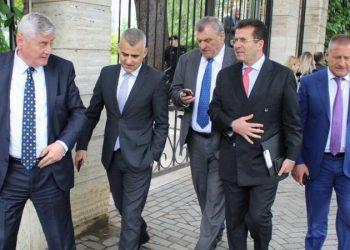 Përplasje të forta në opozitë, zbardhet plani i aleatëve të Bashës për të nxjerrë jashtë loje LSI