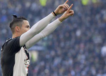 Presidenti i Bayernit e ironizon Ronaldon: Është shumë i vjetër për ne