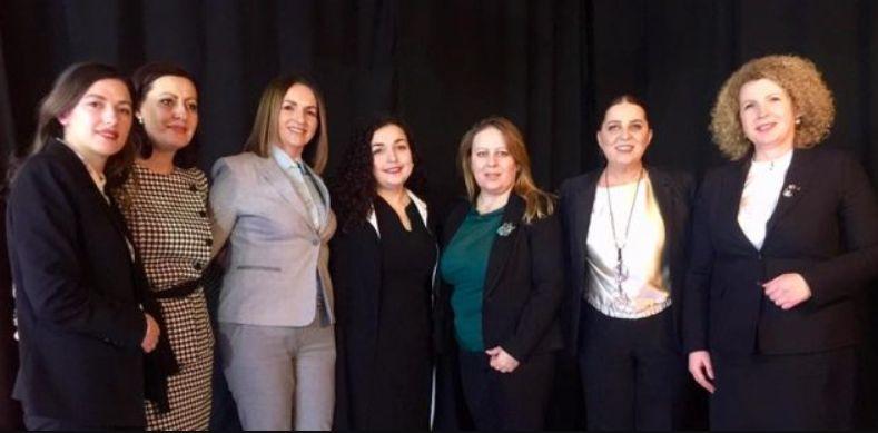Bëhen bashkë gratë më të pushtetshme në Kosovë
