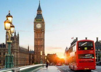 Ja kur pritet të hyjë në fuqi sistemi i ri, ndryshojnë rregullat për emigrantët që duan të punojnë në Angli