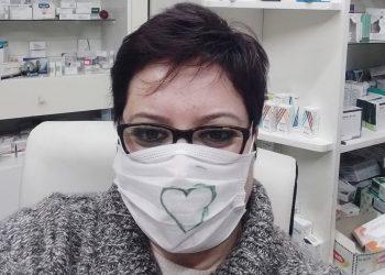 Farmacistja nga Korça: Nëse nesër më vijnë maska, hajdeni dhe merrini falas