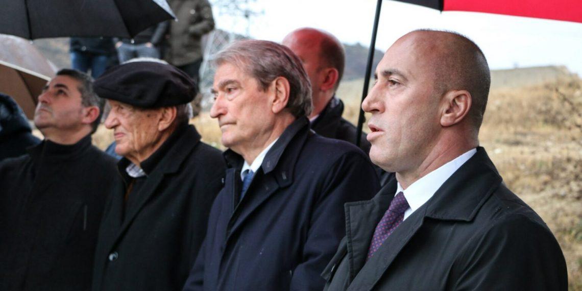 Ktheu kullën e tij në bazë për UÇK-në, Haradinaj shkon në varrimin e kushëririt të Sali Berishës: Baca Sulejman, Kosova humbi një vëlla