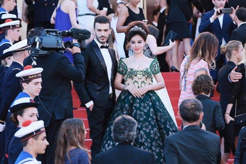 Modeli shqiptar, i martuar me miliarderen kineze jep lajmin e madh për Shqipërinë