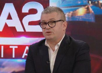 """""""Tani ai ka vetëm dy rrugë"""", Alfred Peza befason me deklaratën: Ilir Meta nuk është më President"""