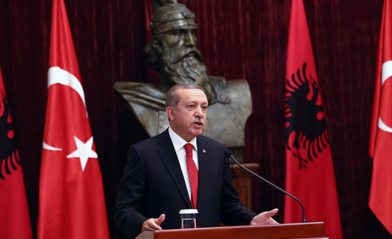 Detaji që nuk e dinim! Erdogan lidhje të ngushtë me shqiptarët, ky është qyteti ku ka jetuar për disa muaj