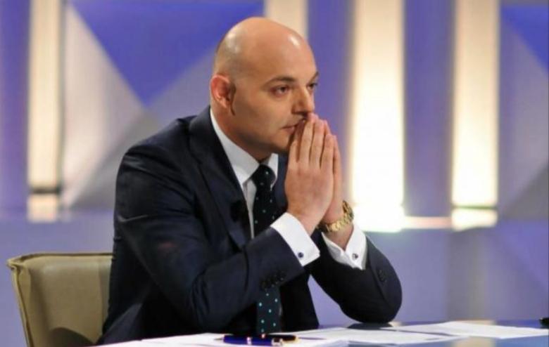 Masat e marra ndaj koronavirusit, Blendi Fevizu 'nuk përmbahet' ndaj shqiptarëve të pabindur (FOTO)