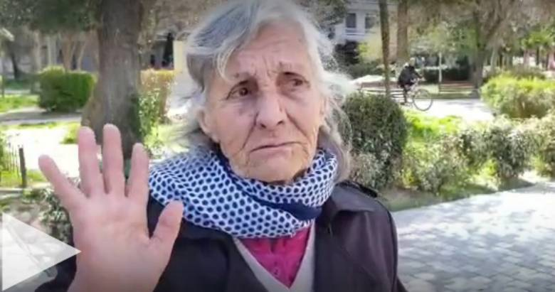 84-vjeçarja vlonjate: Kam dy ditë që pi ujë me sheqer, dua të më kapë Koronavirusi të iki në gropë (VIDEO)