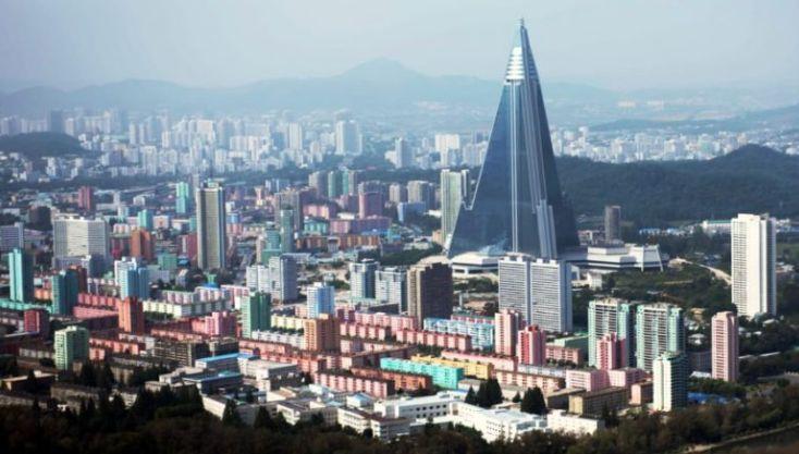 Hoteli me mbi 300 metra lartësi në Korenë e Veriut, rrokaqielli që kurrë nuk priti asnjë mysafir (VIDEO)