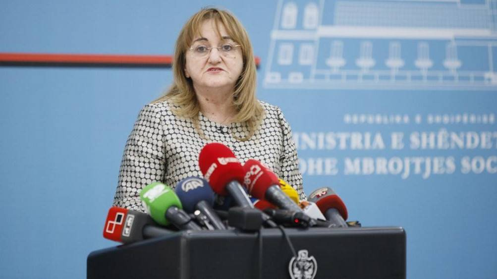 Zv/ministrja e Shëndetësisë: Ja çfarë thonë ekspertët tanë, frika ime më e madhe janë shqiptarët që po riatdhesohen nga jashtë
