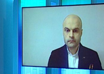Mjeku flet nga Franca: Situata është alarmante, vetëm ky ilaç po del efikas kundër COVID-19