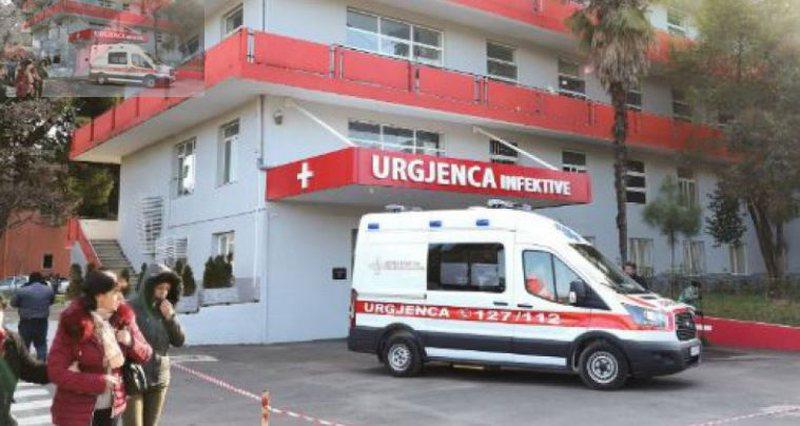 Autoritetet boshatisin spitalin! 'Infektivi' kthehet në karantinë për koronavirusin, rruga pastrohet me ujë dhe klor
