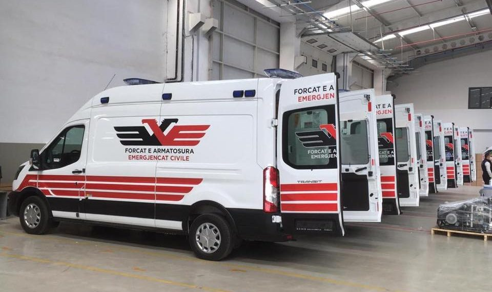 Turqia bën gati ambulancat për Shqipërinë