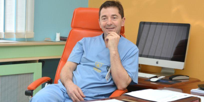 Një ndër mjekët më të mirë në Ballkan, Zhan Mitrev jep rekomandime si të kujdesemi këto ditë (VIDEO)