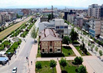 Koronavirusi shpërthen në këtë qytet shqiptar, regjistrohen 35 raste të reja